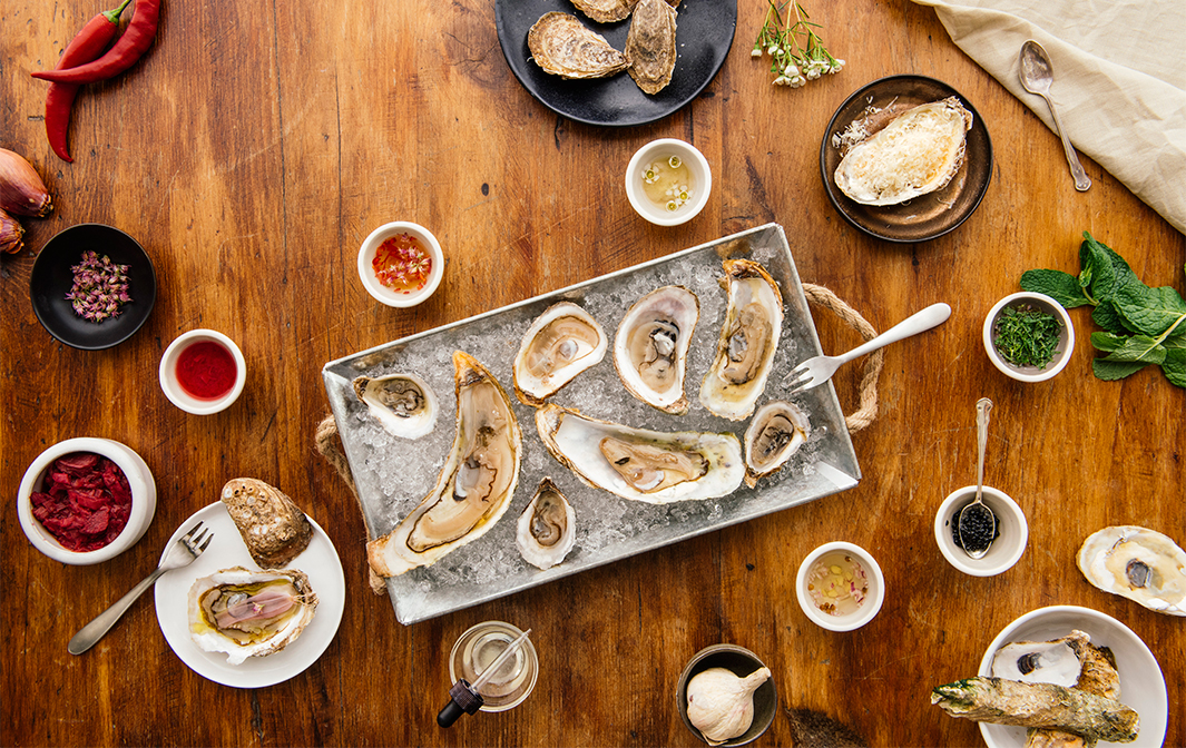 Oyster tasting with sauces