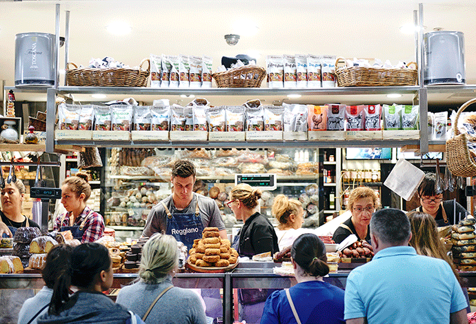 Curtis Stone Insider's Guide to Melbourne, South Melbourne Market